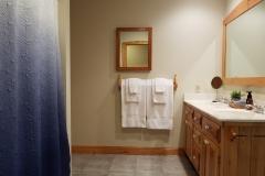 Main-Bath-Lake-Leelanau-Retreat-House-1-scaled